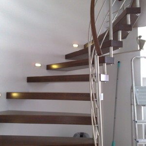 Moderní kovové zábradlí v interiéru domu od Konsorcium - KOVO
