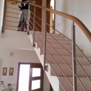 Konsorcium - KOVO vyrábí zábradlí na zakázku, příklad realizace v domě
