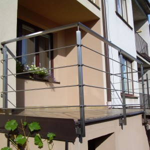 Kovové zábradlí na terase rodinného domu od firmy Konsorcium - KOVO