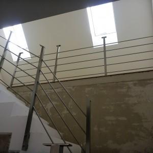 Systém zábradlí uvnitř budovy, zakázková výroba od společnosti Konsorcium - KOVO